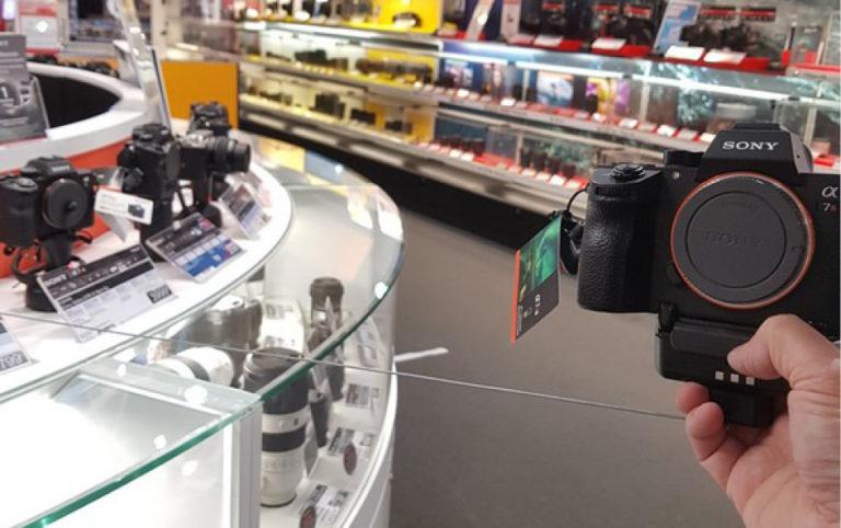 LADi équipe la Fnac Montparnasse de sa solution Freedom Focus dédiée à la sécurisation des appareils photos.